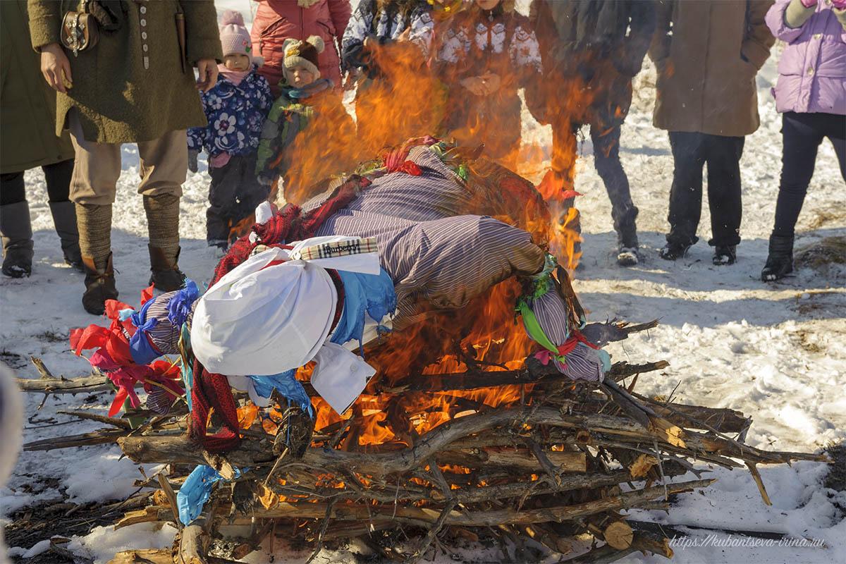 масленица баба сжигать фото