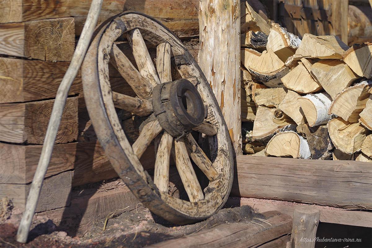 деревянное колесо фото