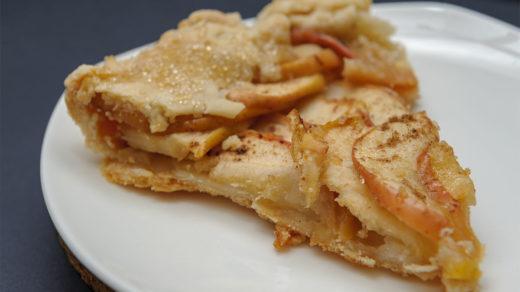 яблочный пирог дома